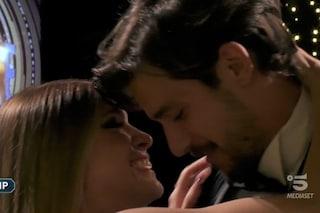 """GFVip, Andrea Zelletta riabbraccia Natalia Paragoni: """"Sarai la madre dei miei figli"""""""