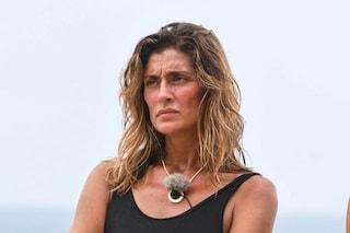 Elisa Isoardi abbandona temporaneamente l'Isola dei famosi 2021 per problemi fisici