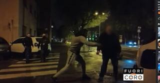 """Troupe di Fuori dal Coro aggredita a colpi di catene, Mario Giordano: """"Violenza inaudita"""""""