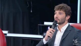 """Stefano De Martino cita Brunori: """"Ci ho messo tempo a non confondere amore e innamoramento"""""""