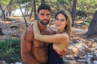 """""""Miriam, fidanzata di Gilles Rocca, ha cancellato ogni foto con lui"""", ma la verità è un'altra"""