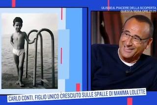"""Carlo Conti allude alle sue misure: """"Faccio bella figura"""", si imbarazza Serena Bortone"""