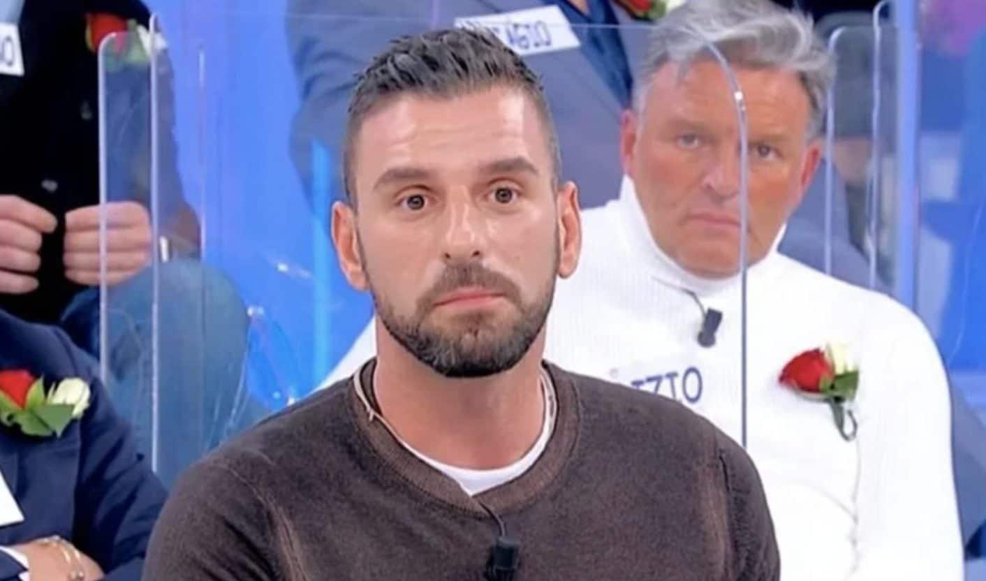 Uomini e Donne, Alessandro l'ex fiamma di Maria Tona: La redazione mi ha messo in pausa