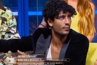 """Isola dei Famosi, Akash torna in studio e litiga con Ilary Blasi: """"Me ne vado, non mi rispettate"""""""