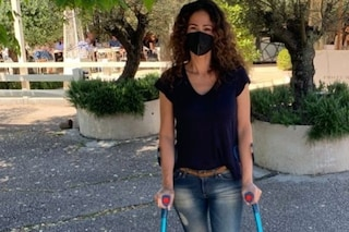 """Samantha De Grenet si infortunia giocando a padel: """"Lesione del menisco per me"""""""