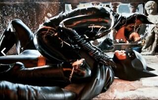 Mai una gioia per Batman, la produzione cancella la scena del sesso orale con Catwoman
