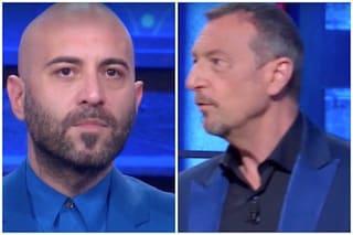 """C'è Giuliano Sangiorgi ai Soliti Ignoti e i cameraman impazziscono, Amadeus: """"Non era mai successo"""""""