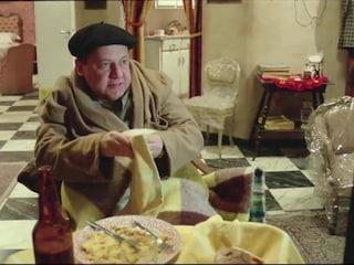 """""""Vestaglia, frittata di cipolle e birra"""", come vedere la finale Italia Inghilterra secondo Fantozzi"""