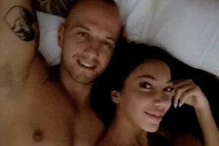 """Stefano Sirena a letto con Federica Cleo: """"Io vado avanti, Manuela finge di vivere la favola"""""""