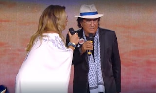 Al Bano e Romina di nuovo sul palco insieme, gag romantica e momento di imbarazzo