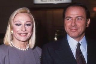 """Quando Silvio Berlusconi regalò a Raffaella Carrà un camion di azalee: """"Le ho voluto molto bene"""""""