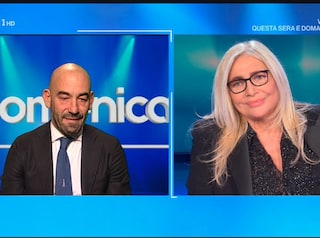 """Mara Venier: """"Niente più tavolo del Covid a Domenica In, la gente non ne può più"""""""