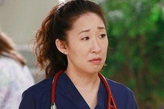 """Era Cristina Yang in Grey's Anatomy, Sandra Oh: """"Sono in terapia, il successo è stato un trauma"""""""