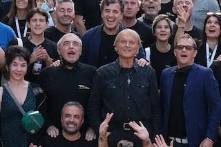 Terence Hill dice addio a Don Matteo dopo 20 anni: il video dell'ultima scena e il saluto del cast
