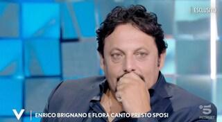 Le lacrime di Enrico Brignano per tutto quello che è successo con Flora Canto