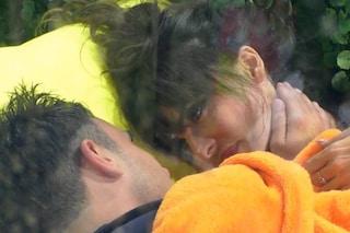 """GFVip, Nicola Pisu a Miriana Trevisan: """"Mi sono innamorato di te"""", ma lei non ci casca"""