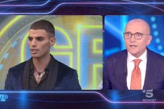 """Samy Youssef interrompe Signorini che si spazientisce: """"Vuoi stare zitto? Rispetta il mio lavoro"""""""