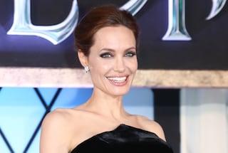 """I 40 anni di Angelina Jolie, da """"ragazza interrotta"""" a donna più ammirata al mondo"""