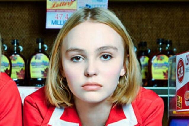 Lily-Rose Depp sbarca al cinema con papà Johnny  è la protagonista ... eea90e2030e2