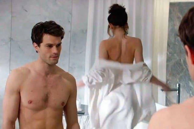 sexy fidanzata dà pompino