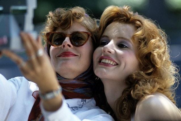 Thelma e Louise compie 30 anni: Susan Sarandon e Geena Davis ricordano il film cult del femminismo