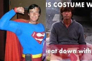 Al sosia di Superman rubano il costume con cui si esibisce, oggi è un senzatetto