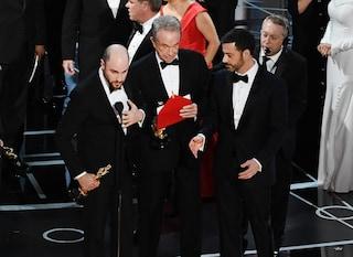 Oscar 2017, errore in diretta: 'La La Land' eletto miglior film, ma aveva vinto 'Moonlight'