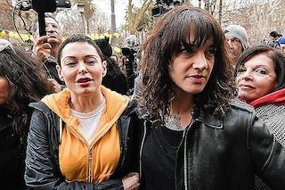 """""""Tutte con Asia Argento"""": Rose McGowan sostiene l'attrice da chi l'accusa del suicidio di Anthony Bourdain"""