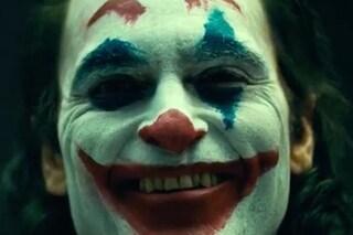 Il nuovo Joker di Joaquin Phoenix è bellissimo, malinconico e fa davvero paura
