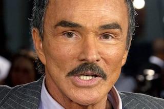 È morto Burt Reynolds: l'attore 82enne, sex symbol di Hollywood, stroncato da un attacco di cuore