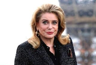 Buon compleanno a Catherine Deneuve, l'inarrivabile diva francese compie 75 anni