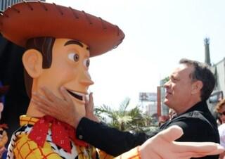 """Toy Story 4, Tom Hanks ha pianto doppiando il finale: """"Ho vissuto un momento storico"""""""