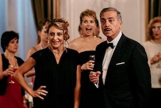 """""""Da Togliatti a Fico e mo' pure con Salvini?"""": il trailer a 5 stelle del cinepanettone di Netflix"""