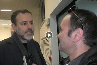 """""""Siamo qui con Fabrizio Frizzi"""", la gaffe del giornalista durante un'intervista a Fausto Brizzi"""