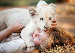 """La favola moderna di """"Mia e il leone bianco"""" sbarca nelle sale dal 17 gennaio"""
