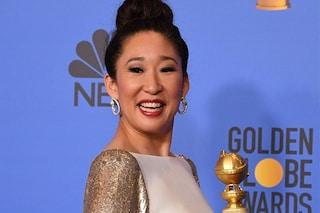 """Sandra Oh protagonista ai Golden Globe 2019: """"Dedico la vittoria ai miei genitori. Li amo""""."""