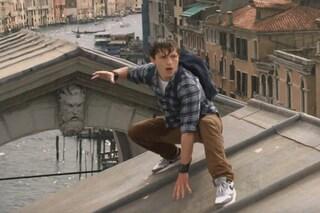 """""""Spider-Man: Far From Home"""", il trailer: l'Uomo Ragno vola a Venezia"""