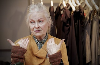 """Arriva """"Westwood - Punk. Icona. Attivista"""", il documentario sull'eccentrica stilista inglese"""