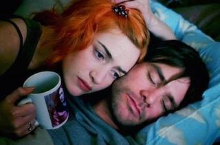 """15 anni fa usciva """"Se mi lasci ti cancello"""", immensa storia d'amore tra fantascienza e poesia"""