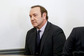 """""""Ha preso in mano il mio p**e"""", depositati messaggi contro Kevin Spacey per l'accusa di abuso"""
