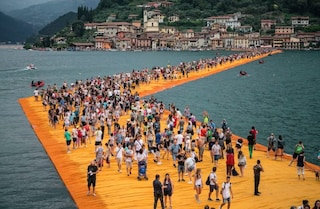 """Christo – Walking on Water"", il documentario sulle passerelle del Lago d'Iseo sbarca al cinema"