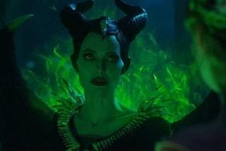 Maleficent 2, tutta la furia di Angelina Jolie nel nuovo trailer