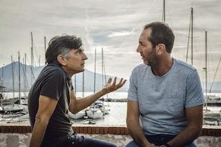 """Curiosità """"Se mi lasci non vale"""": nel film c'è un omaggio a Pino Daniele e alla sua """"Che male c'è"""""""