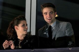 """Kristen Stewartsostiene Robert Pattinson nei panni di Batman: """"L'unico che può fare quella parte"""""""