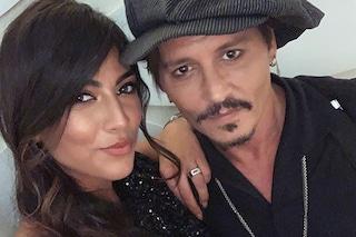 """Giulia Salemi e la foto con Johnny Depp a Venezia76: """"Ciao mamma, ancora non ci credo"""""""