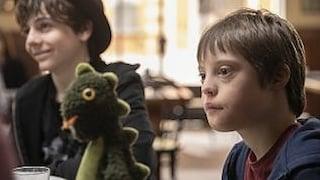 """Chi è Lorenzo Sisto, lo straordinario attore esordiente del film """"Mio fratello rincorre i dinosauri"""""""