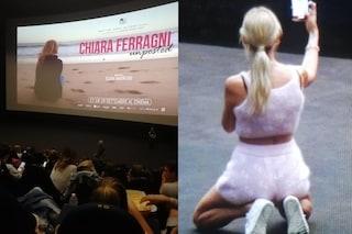 Chiara Ferragni presenta Unposted al cinema, non può mancare il selfie di massa col pubblico