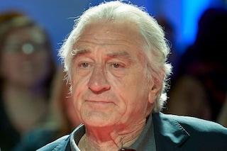 Robert De Niro denunciato per discriminazione e molestie, un'ex dipendente fa causa per 12 milioni