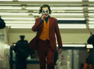 """In """"Joker"""" c'è anche Batman, il dettaglio nascosto in una scena del film"""