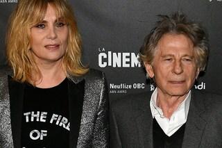 """Emmanuelle Seigner difende Roman Polanski: """"Essere accusati di stupro non è essere colpevoli"""""""
